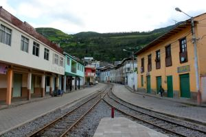 The refurbushed tracks follow their original rout right through the center of Alausi.