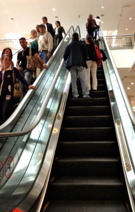 Ecuadorians taught me to just stand still on escalators.
