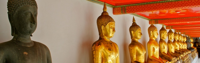 Buddhas line the walls of Wat Pho in Bangkok